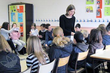 DEUTSCHMOBIL – Gummibärchen gegen Sprachbarrieren